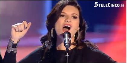 Laura Pausini, dando el cante.
