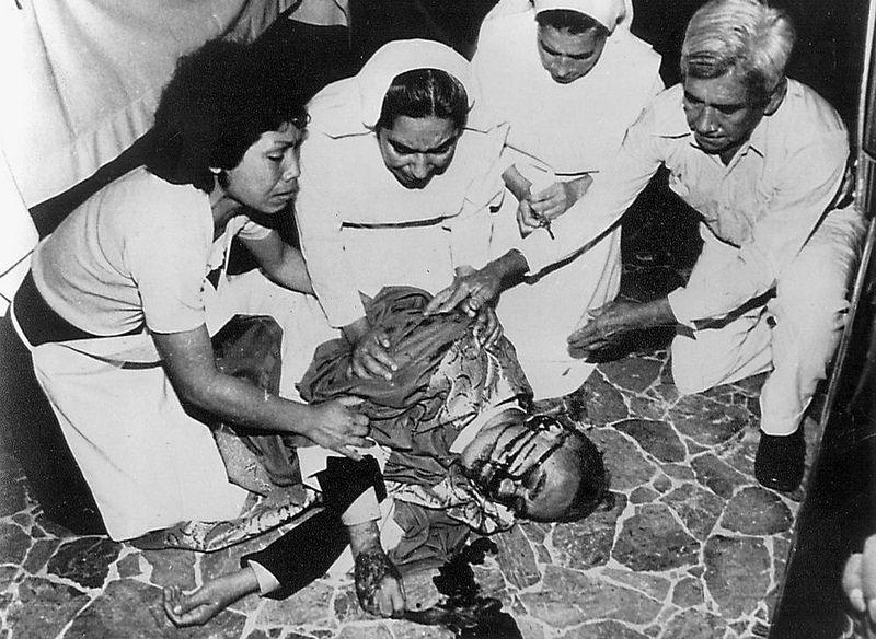 Resultado de imagen para papa francisco hace santo a romero