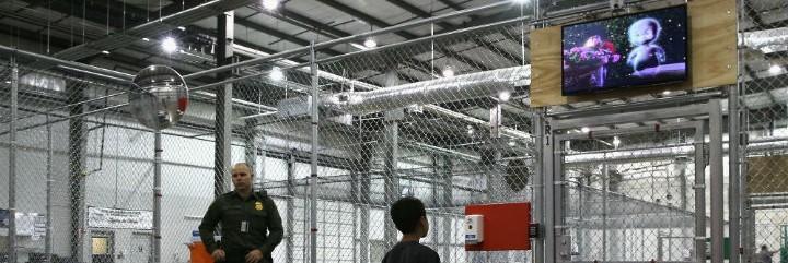 Centro de detención USA para familias migrantes