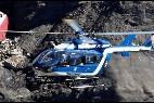 Un helicóptero durante el laborioso rescate