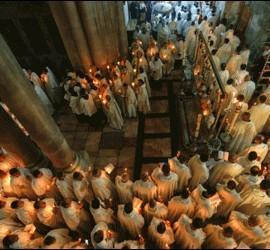 Celebración ante el Santo Sepulcro
