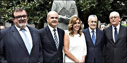 La socialista Susana Díaz y todos los expresidentes de la Junta de Andalucía.