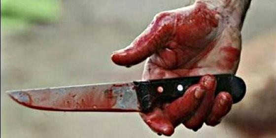 Crimen, sangre, asesino y cuchillo.