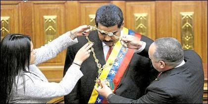 Maduro, investido