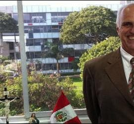 Marcial Rubio, en su despacho de rector de la PUCP