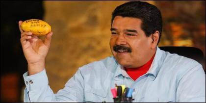El presidente venezolano montando el numerito.
