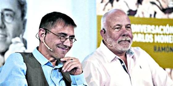 Juan Carlos Monedero, junto al periodista Ramón Lobo.