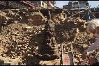 El padre Ángel, entre las ruinas del terremoto de Nepal