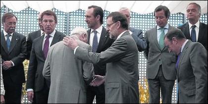 Mariano Rajoy con varios de sus barones.