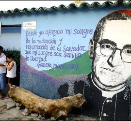 Murales por Romero en El Salvador