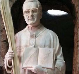 La estatua de Romero en la parroquia de Santa Anna