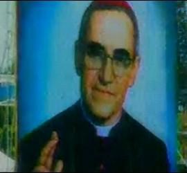 Gigantografía de monseñor Romero