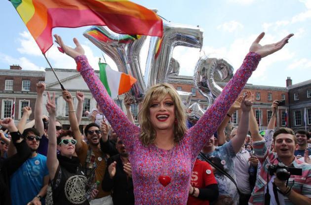 Matrimonio gay de la calle 24