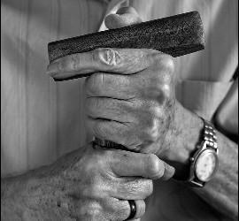 Las manos de Casaldáliga