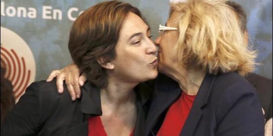 Ada Colau y Manuela Carmena, tapaderas de Podemos y alcaldesas de Barcelona y Madrid.