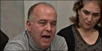 Gonzalo Boyé, condenado a 14 años de cárcel por colaborar con ETA, y Ada Colau.
