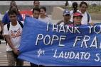 Jóvenes dan gracias por la encíclica al Papa