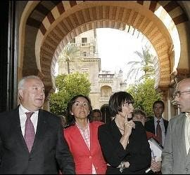 Rosa Aguilar, en la mezquita de Córdoba