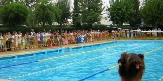 La piscina municipal de el viso del alcor sevilla abre for Piscina municipal caceres