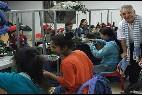 Kike, en la fábrica textil para los discapacitados
