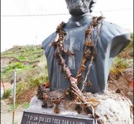 Busto en homenaje a Luis Espinal