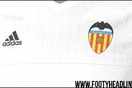 Camiseta local Valencia 2016.