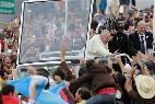 Baño de masas de Francisco en Ecuador