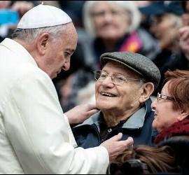El Papa se ha reunido con ancianos en muchas ocasiones