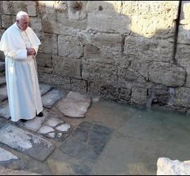 El Papa, en el lugar jordano del bautismo del Señor