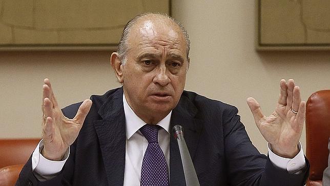 Alfonso rojo sobre las grabaciones a fern ndez d az esto for Quien es el ministro de interior
