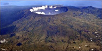 El crater del volcán Monte Tambora.