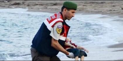 El niño aparecido muerto en las costas de Turquía.