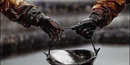 Petróleo, crudo, contaminación y precio del barril.