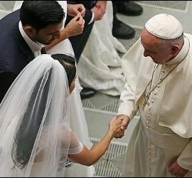 Críticas al Papa por agilizar las nulidades