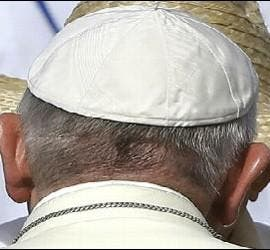 El Papa y Raúl Castro, en Holguín
