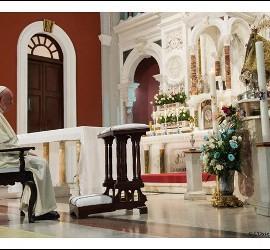 Papa reza ante la Virgen de la Caridad