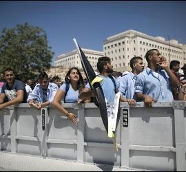 Cristianos manifestándose frente a la oficina del primer ministro, B. Netanyahu