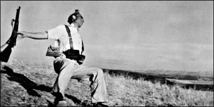 'Muerte de un miliciano español', la famosa foto de Robert Capa sobre la Guerra Civil de 1936, que ha servido de icono durante décadas y sobre la que existe una tremenda polémica.