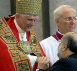 Luis Fernando Figari, con Benedicto XVI