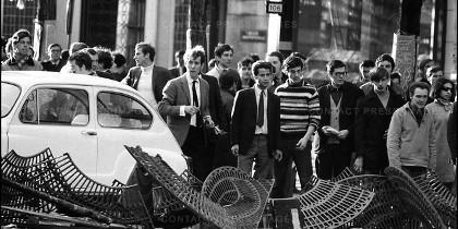 Estudiantes en la revuelta de Mayo del 68, en París.