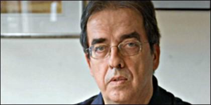 Santiago González.
