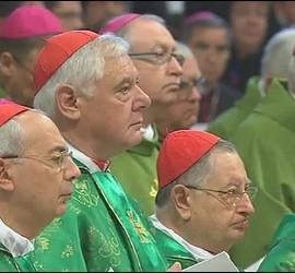 Filoni, Stella, Müller, en la misa del Sínodo