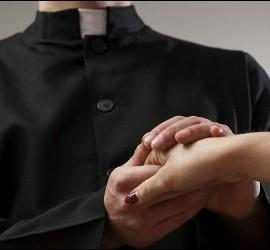 Curas casados, un desafío para la Iglesia
