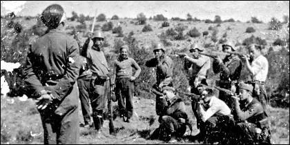 Un prisionero fusilado por milicianos republicanos en la Guerra Civil española de 1936.