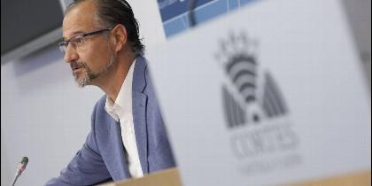 Luis Fuentes en las Cortes