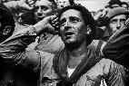 Voluntarios de las Brigadas Internacionales en la Guerrade España de 1936, fotografiados por Robert Capa.