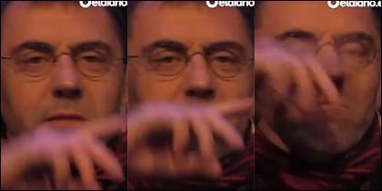 La secuencia de Monedero insinuando que Rivera esnifaba.