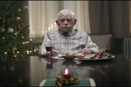 El anciano del anuncio