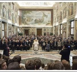 El Papa Francisco, a la escuela católica italiana