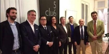 Ponentes del acto 'Más allá de Podemos' en el Club 567.